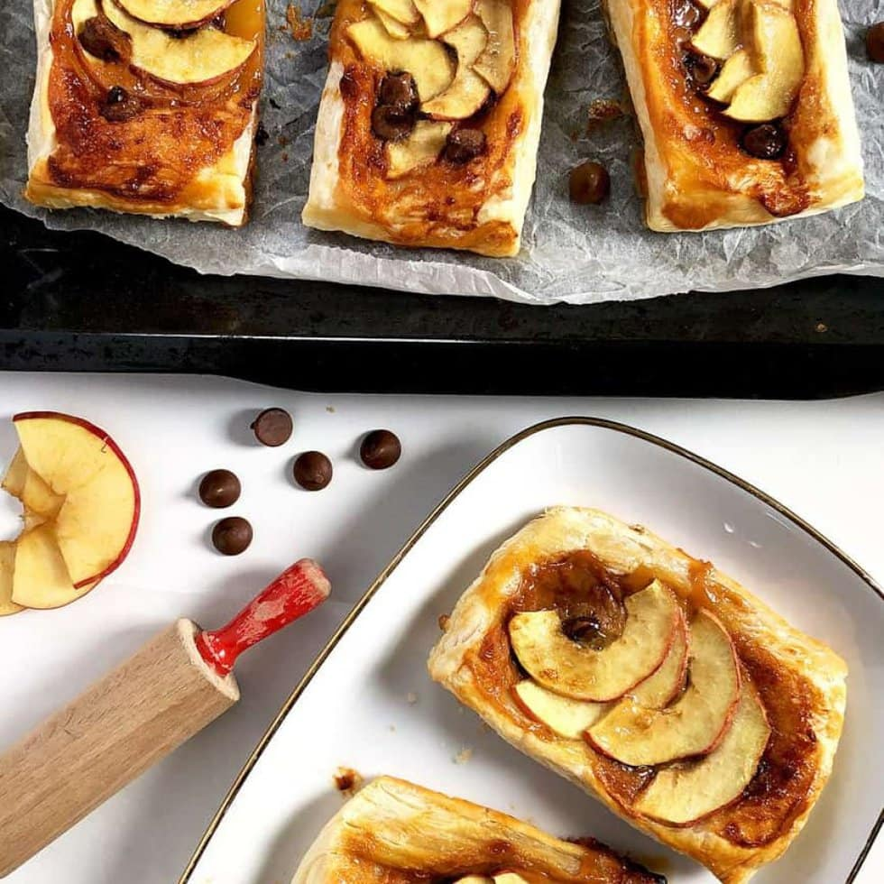 Easy apple puff pastry tarts
