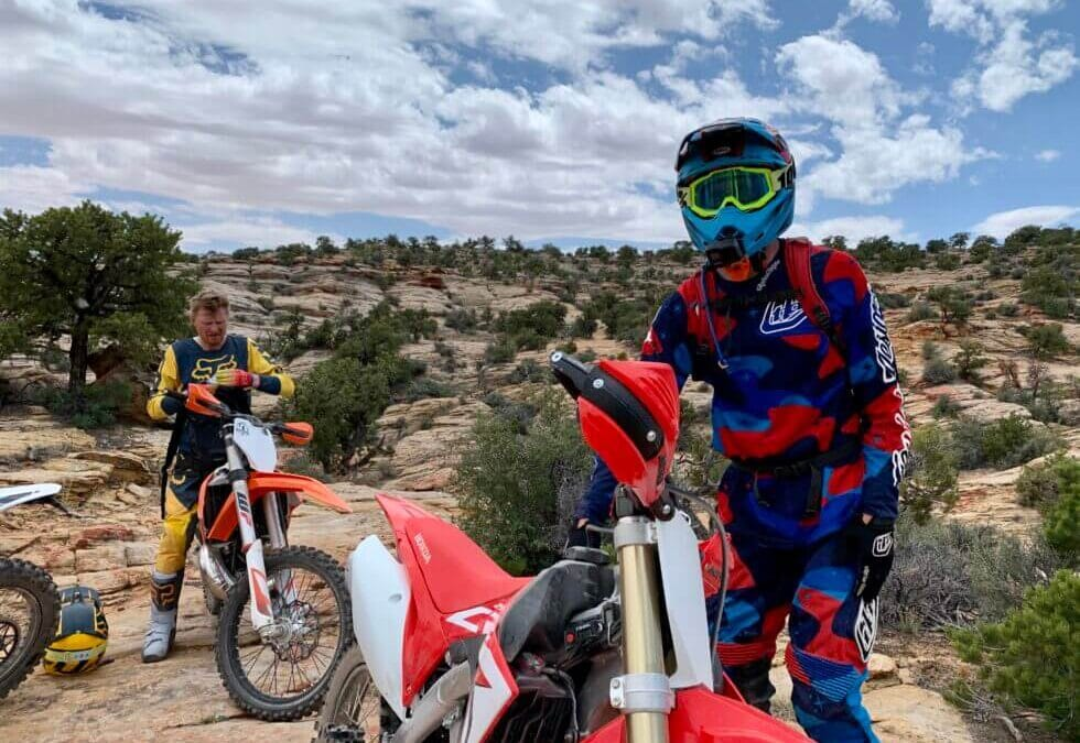 Best Beginner Dirt Bikes for Teenagers in 2020