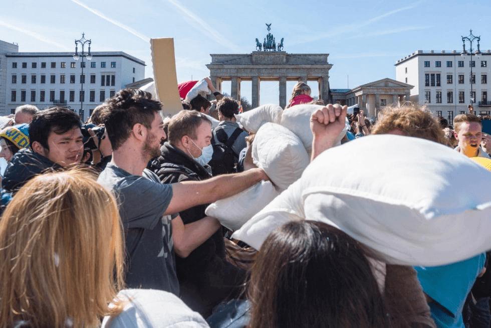Pillow fight & Berlin half marathon