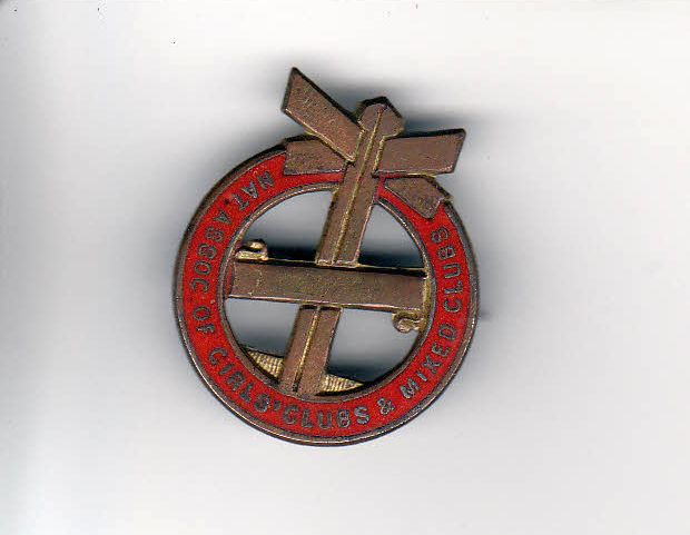 Badge produced for the National Association of Girls and Mixed Clubs.