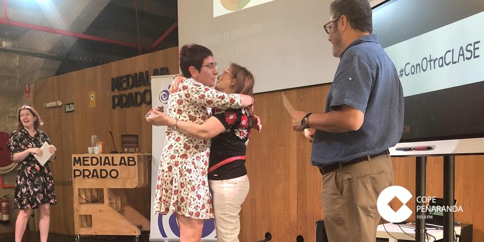 Carmen Iglesias tras recoger su premio.