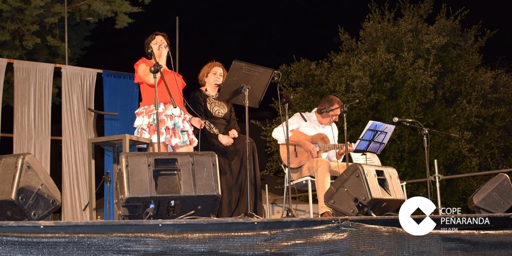 Arena grupo musical ofreció un concierto en el parque de la Huerta.