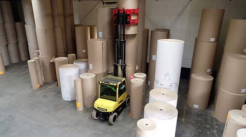 Hyster® lift truck solution simplifies loading trailers with paper reels