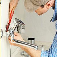Установка смесителя в ванной, умывальнике, в кухонной мойке