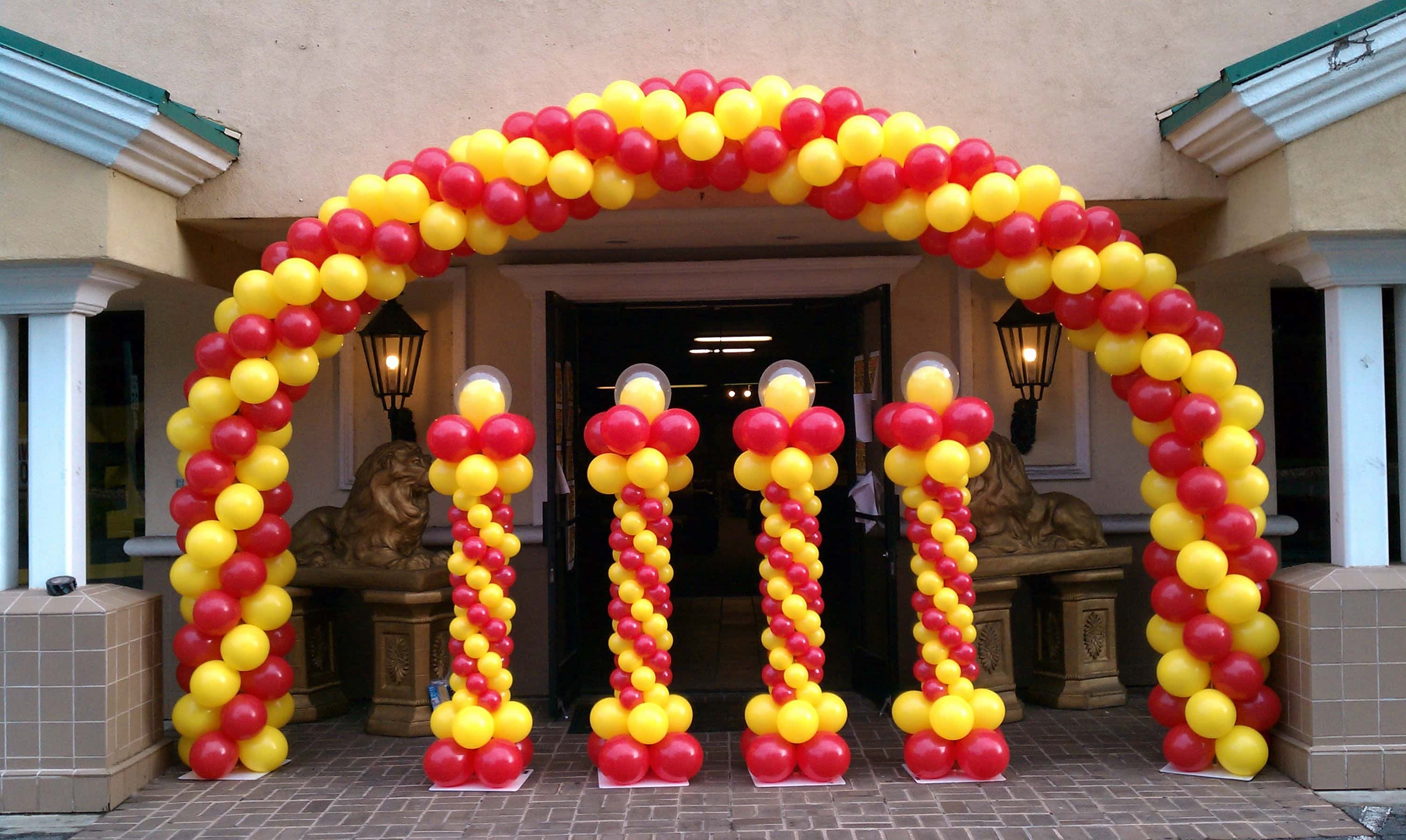 balloons arch 3