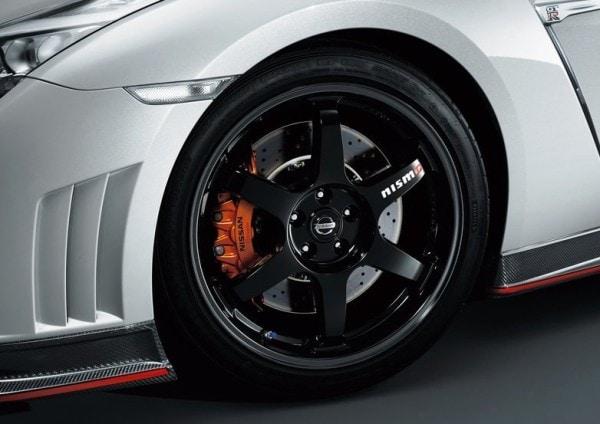 Nissan-GT-R_Nismo_2015_800x600_wallpaper_36