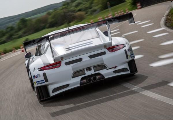 Porsche-911-GT3-R-1