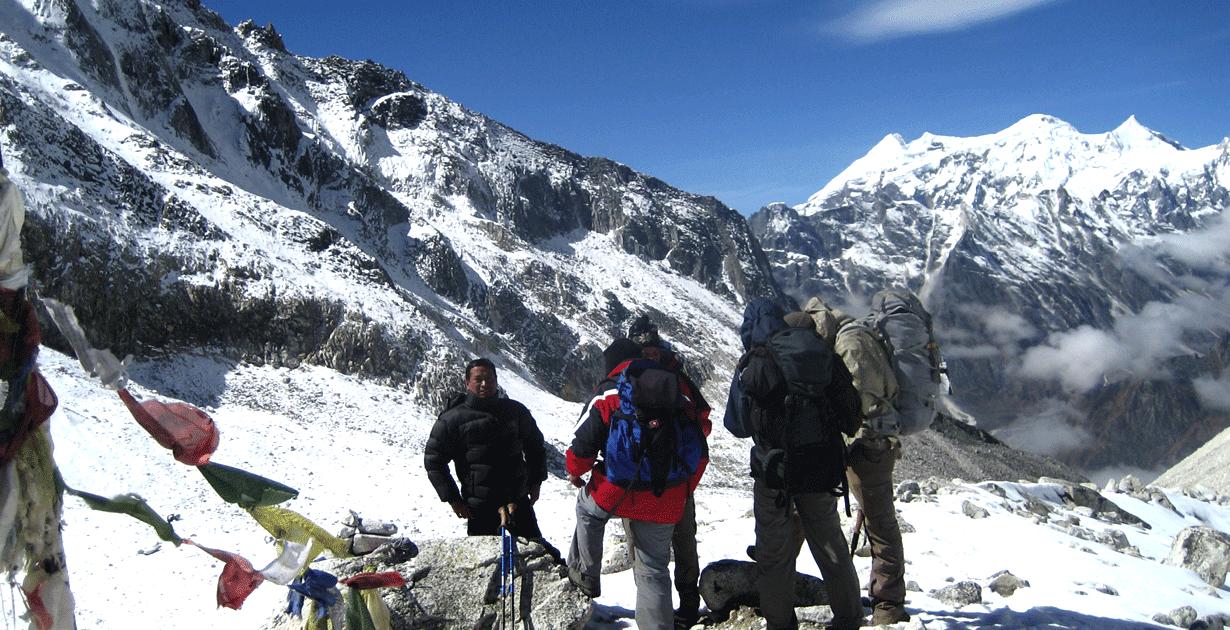Bimthang Trek day hike, larke la