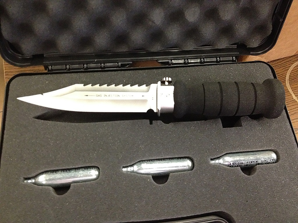 Wasp injection knife blade CO2 dive water shark 1