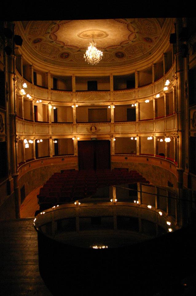interno-teatro-anghiari-teatro-comunale-dei-ricomposti-25