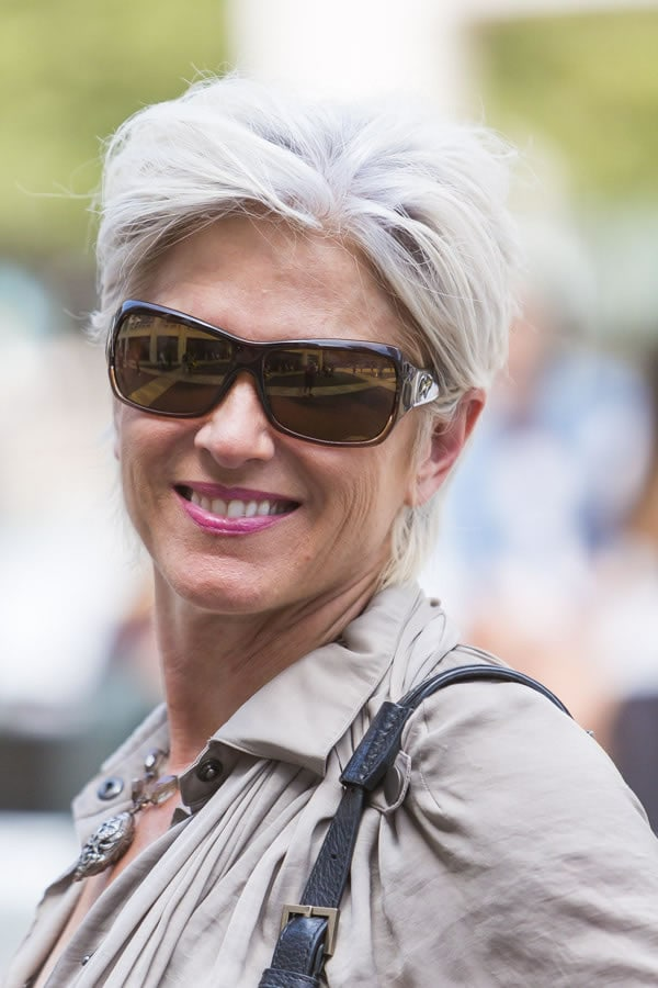 Sandi Ward sporting a short silver gray hairstyle   40plusstyle.com