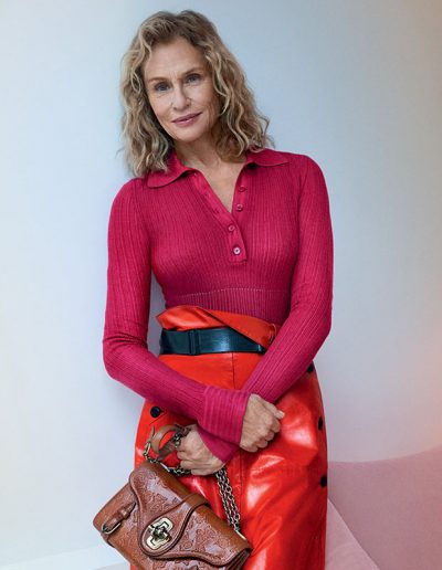 How to dress like Lauren Hutton | 40plusstyle.com