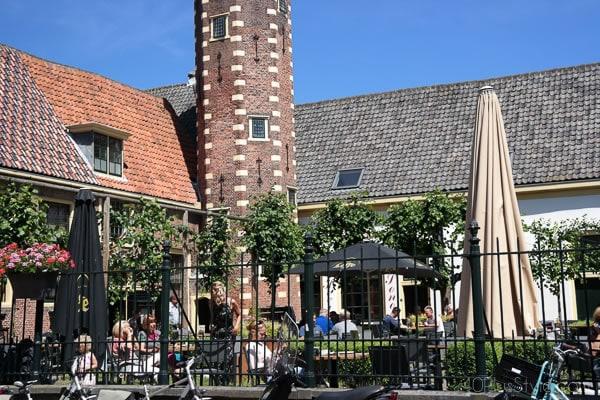 Terraces in Alkmaar | 40plusstyle.com