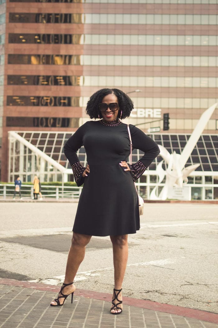 fitted dress to accentuates your curves | 40plusstyle.com