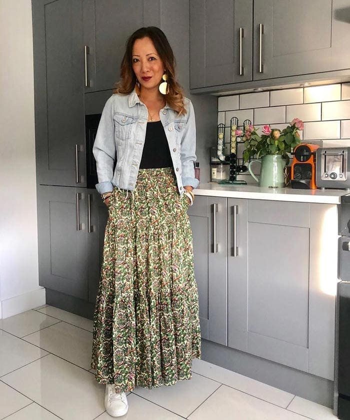 crop denim jacket and maxi skirt | 40plusstyle.com