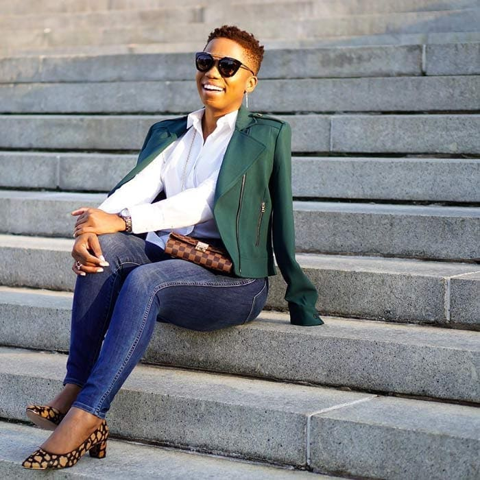 Work outfit idea: white collared shirt, jacket, skinny jeans and low heel pumps | 40plusstyle.com