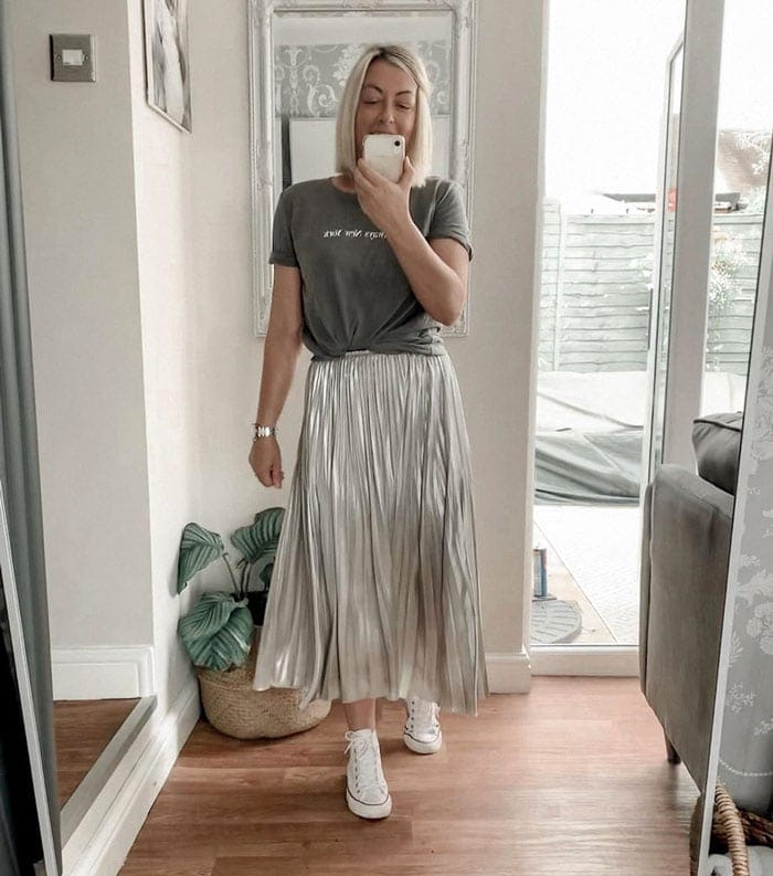 Silver metallic pleated midi skirt | 40plusstyle.com