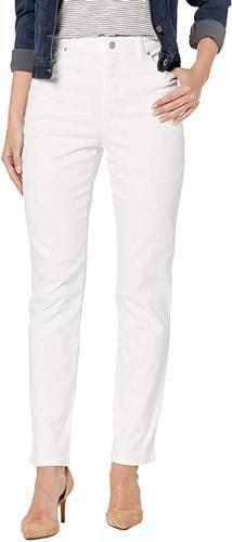 Straight leg white pants | 40plusstyle.com