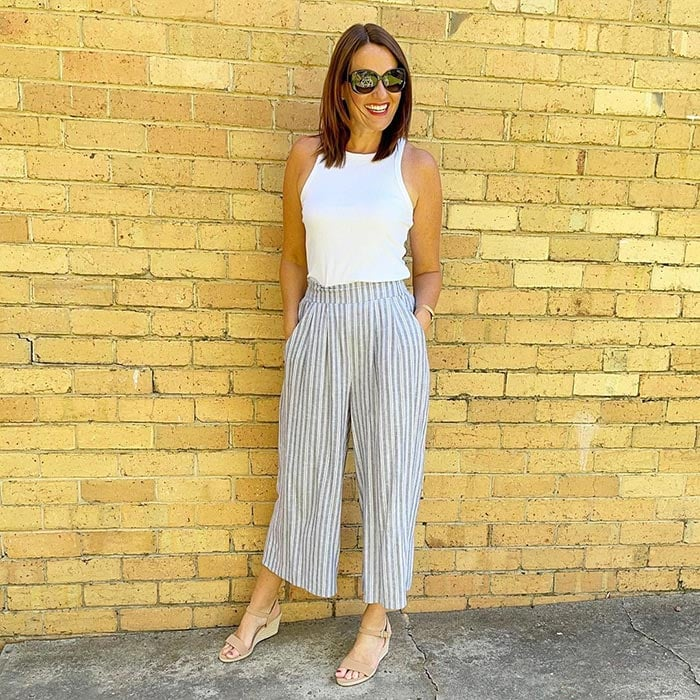 Pants to fit a belly - Karen tucks her top into her pants   40plusstyle.com