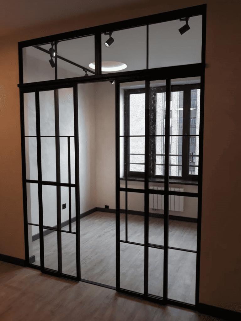 лофт перегородка с двумя дверяим