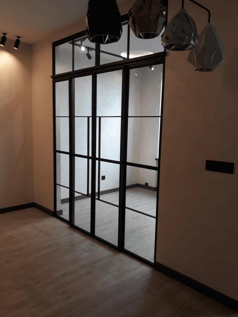 лофт перегородка с двумя дверяим2
