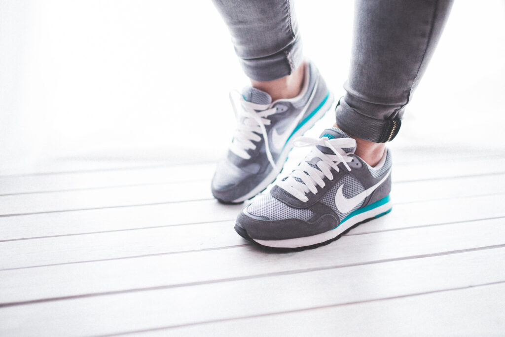 6 Shoe Lacing Hacks To Fix Foot Pain & Make Your Running Shoes More Comfortable