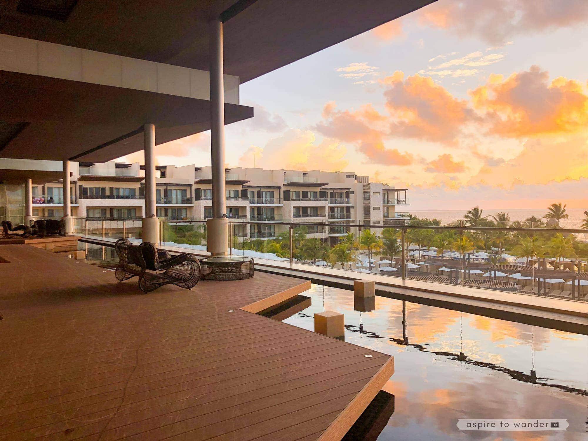 Royalton Riviera Cancun - lobby