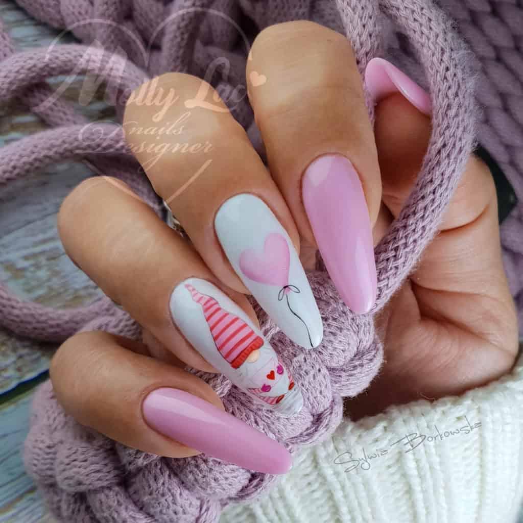 białe i jasnoróżowe paznokcie