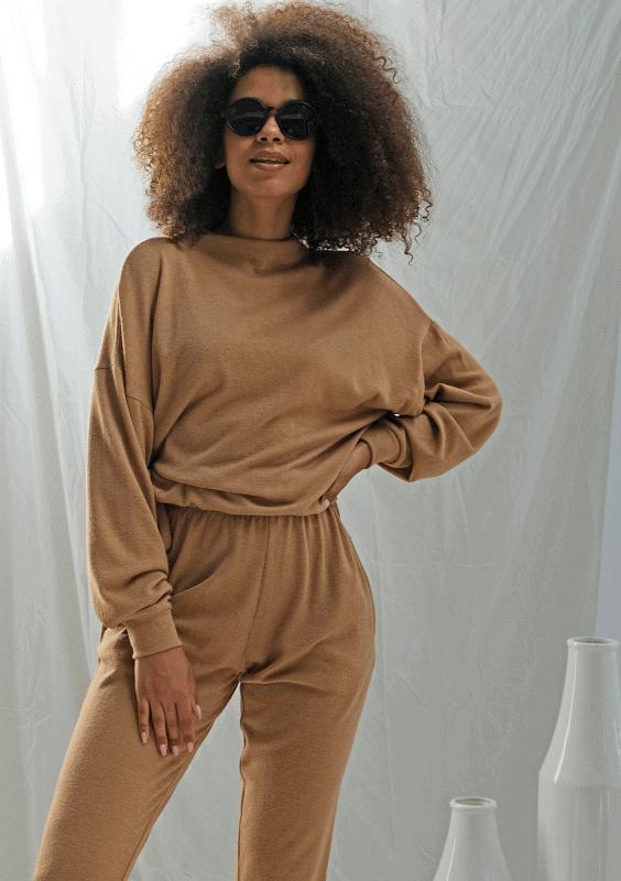 Idealny sweter na sezon jesienno-zimowy 2020!