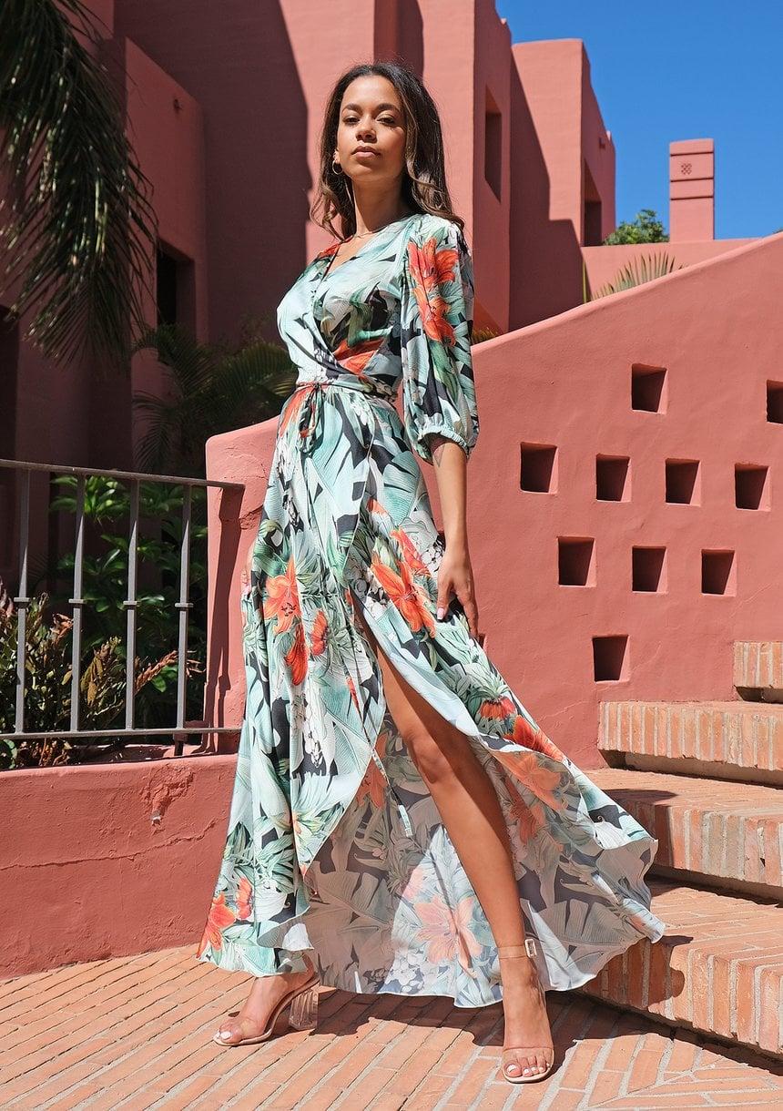 Sukienka dla figury jabłko - Jaki typ sukienki wybrać?