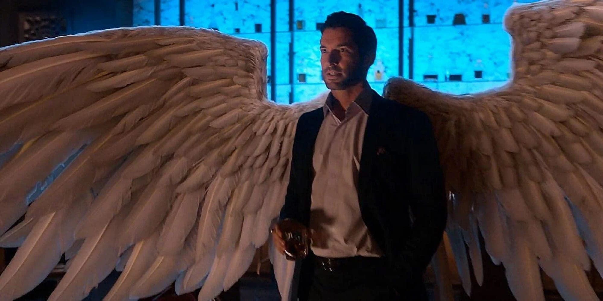 Lucifer Season 5 Tom Ellis White Wings