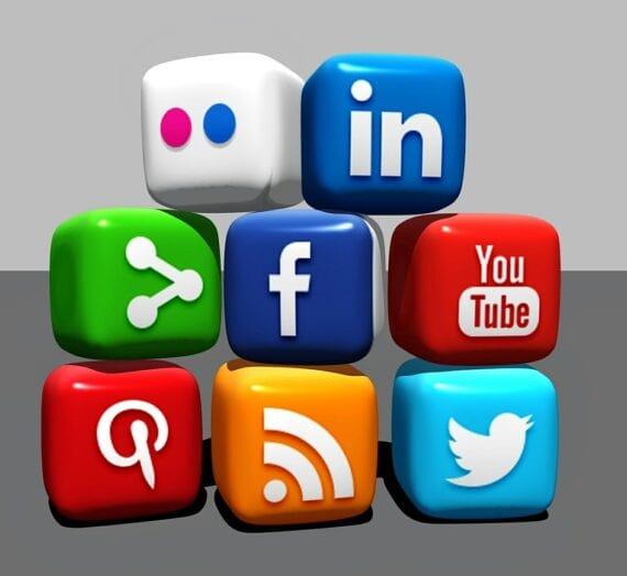 A Short Introduction : Social Media Marketing