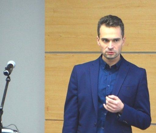 Состоялась встреча студентов ДДС с известным молодым учёным Павлом Ревко-Линардато