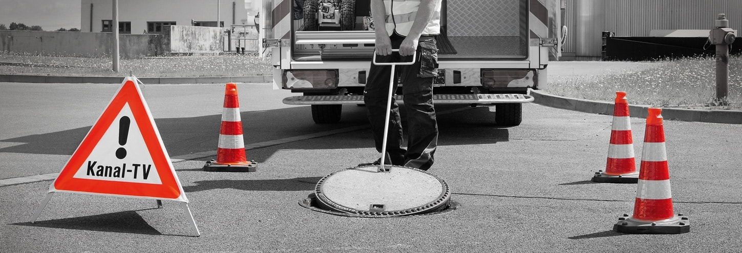 Manhole Cover Lifter and hooks