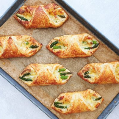 Puff Pastry Asparagus Wraps