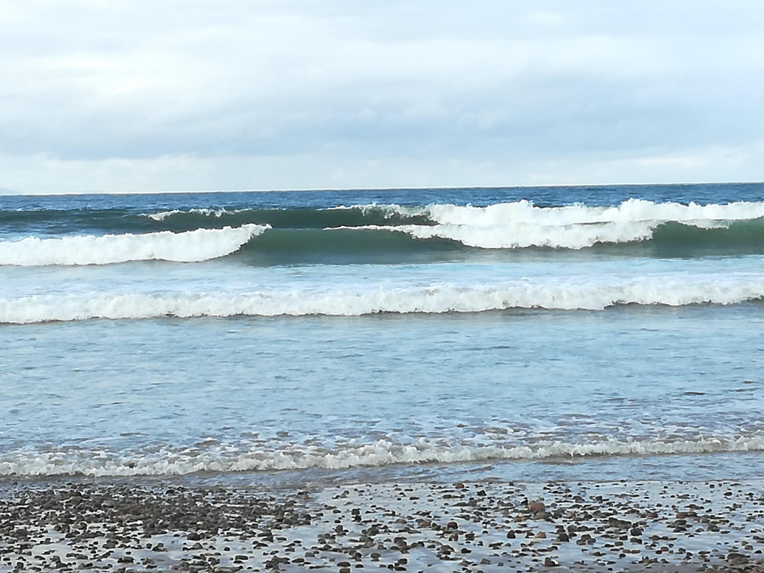 Findhorn beach waves