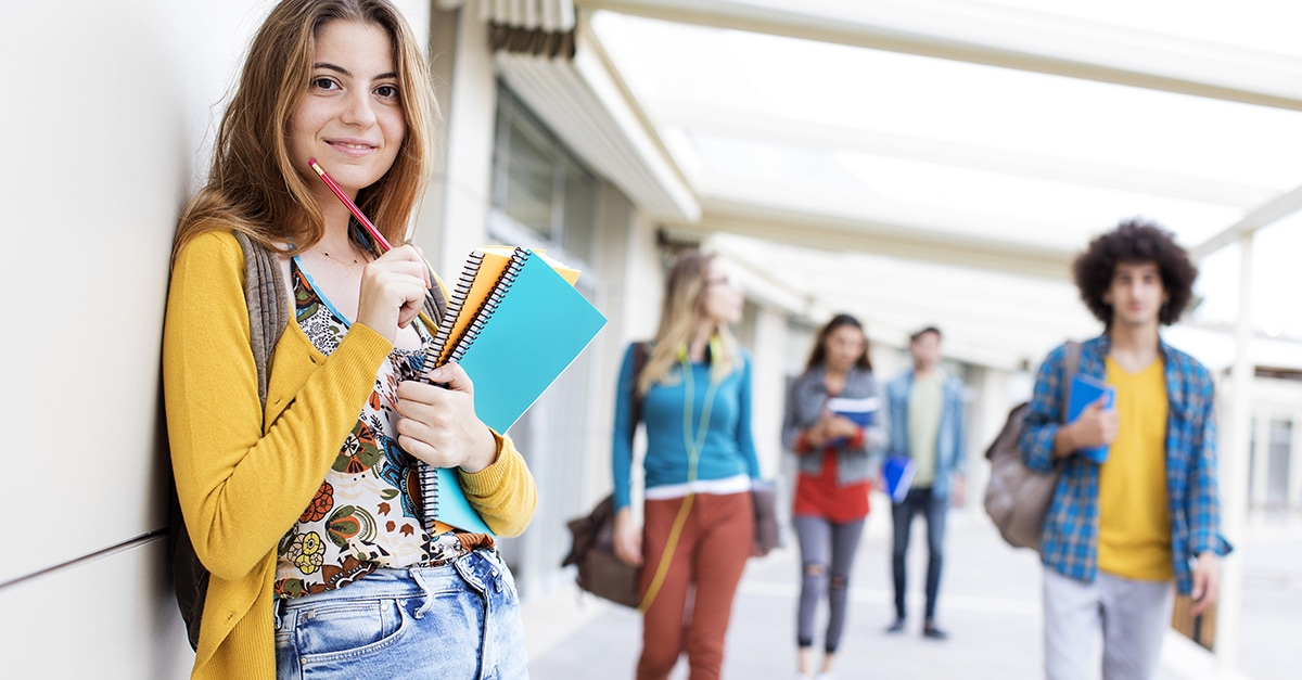 Why Should College Students Use Credit Cards? Useful Advises
