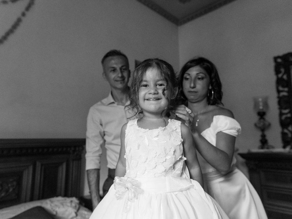 Bambina-Battesimo-Famiglia-8-987x740 Fotografo di Battesimo Cosenza Corigliano Rossano