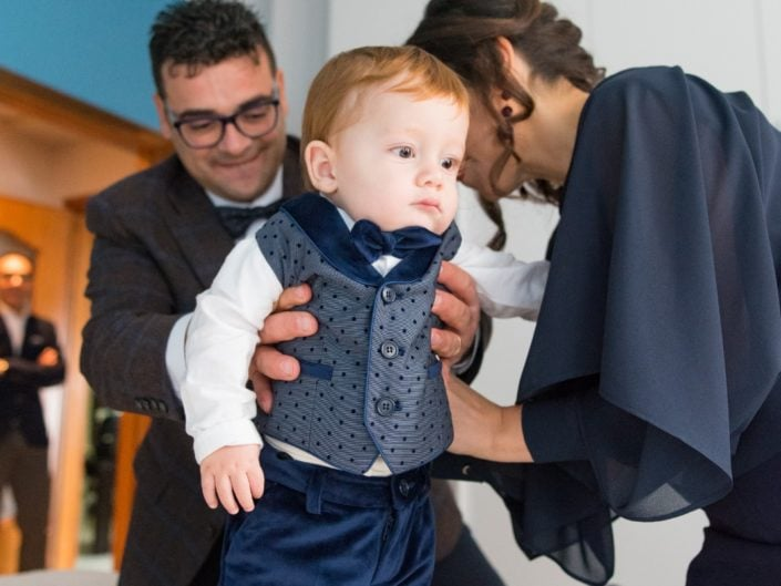 Bimbo-Battesimo-Rossano-22-705x529 Fotografo di Battesimo Cosenza Corigliano Rossano
