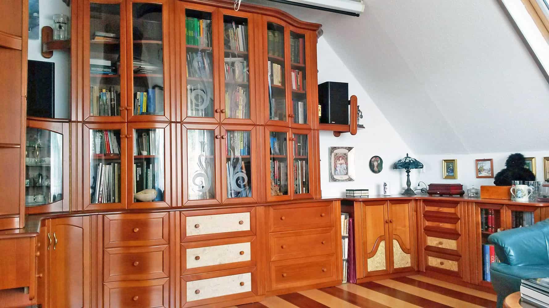 Nappali bútor könyvesszekrénnyel