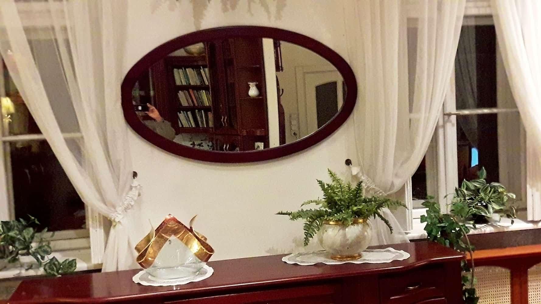 Ovális tükör