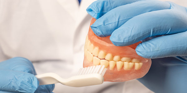 How to Clean All on 4 Dental Implants