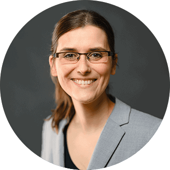 Julia Wittek, Recruiterin
