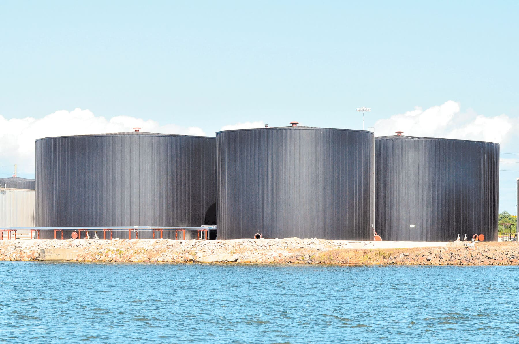 Mobile council reverses approval of sulfuric acid storage tanks