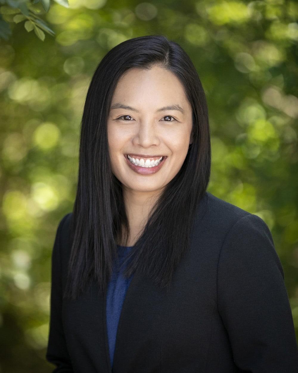 Dr Nina Le