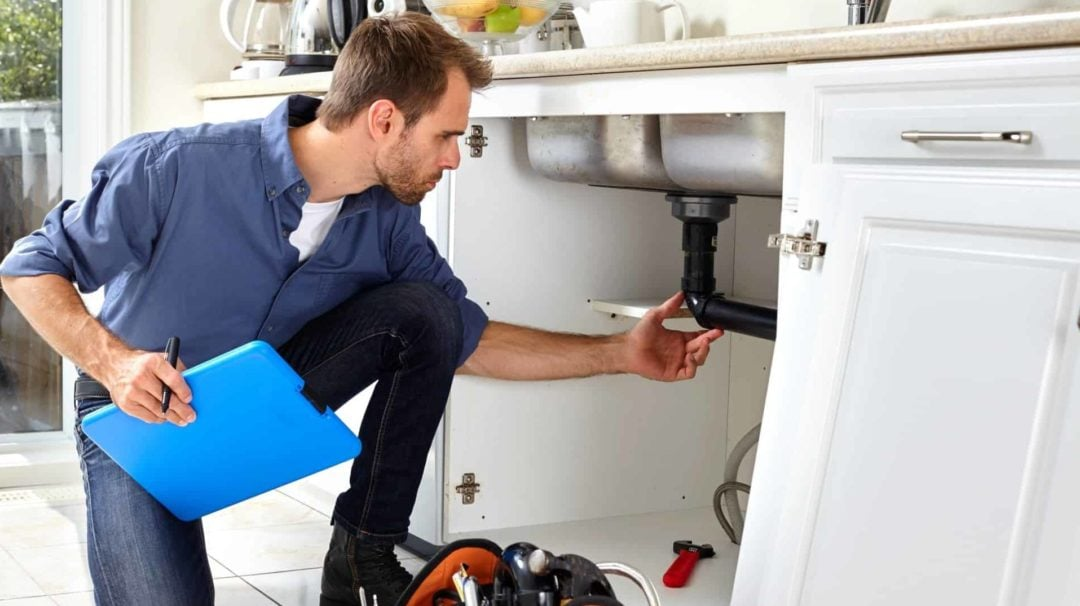 Do I Need a Plumber? A Quick Kitchen Remodel Plumbing Guide