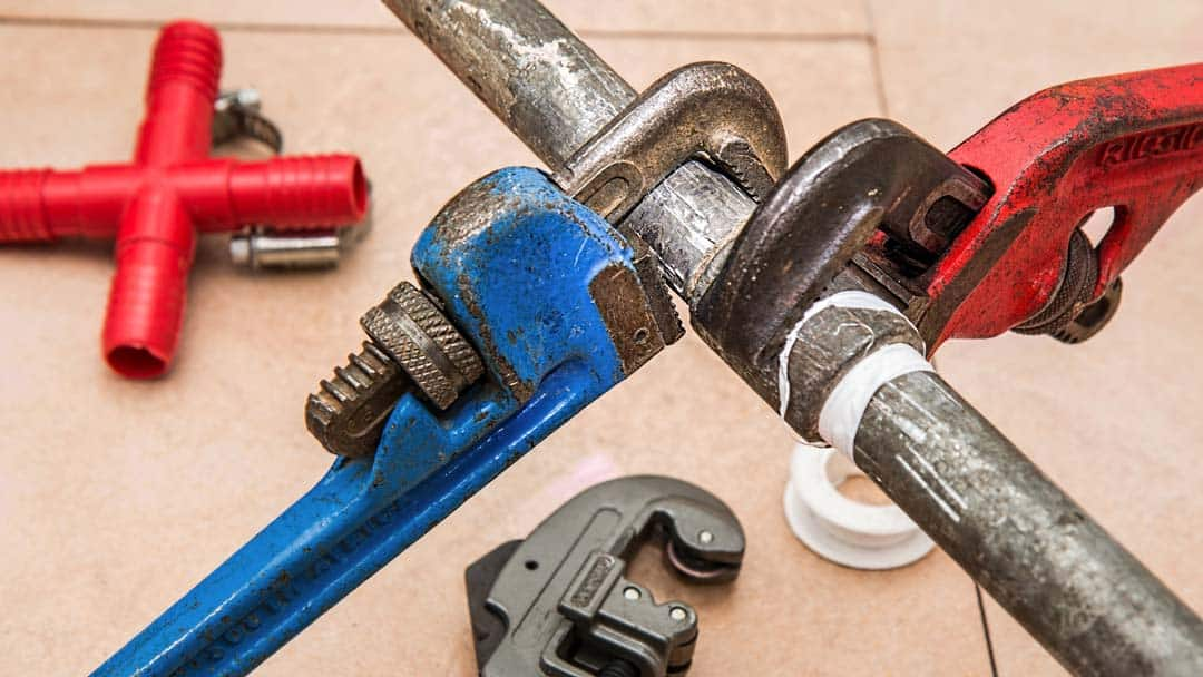 4 Reasons You Should Leave Pipe Repair to the Professionals