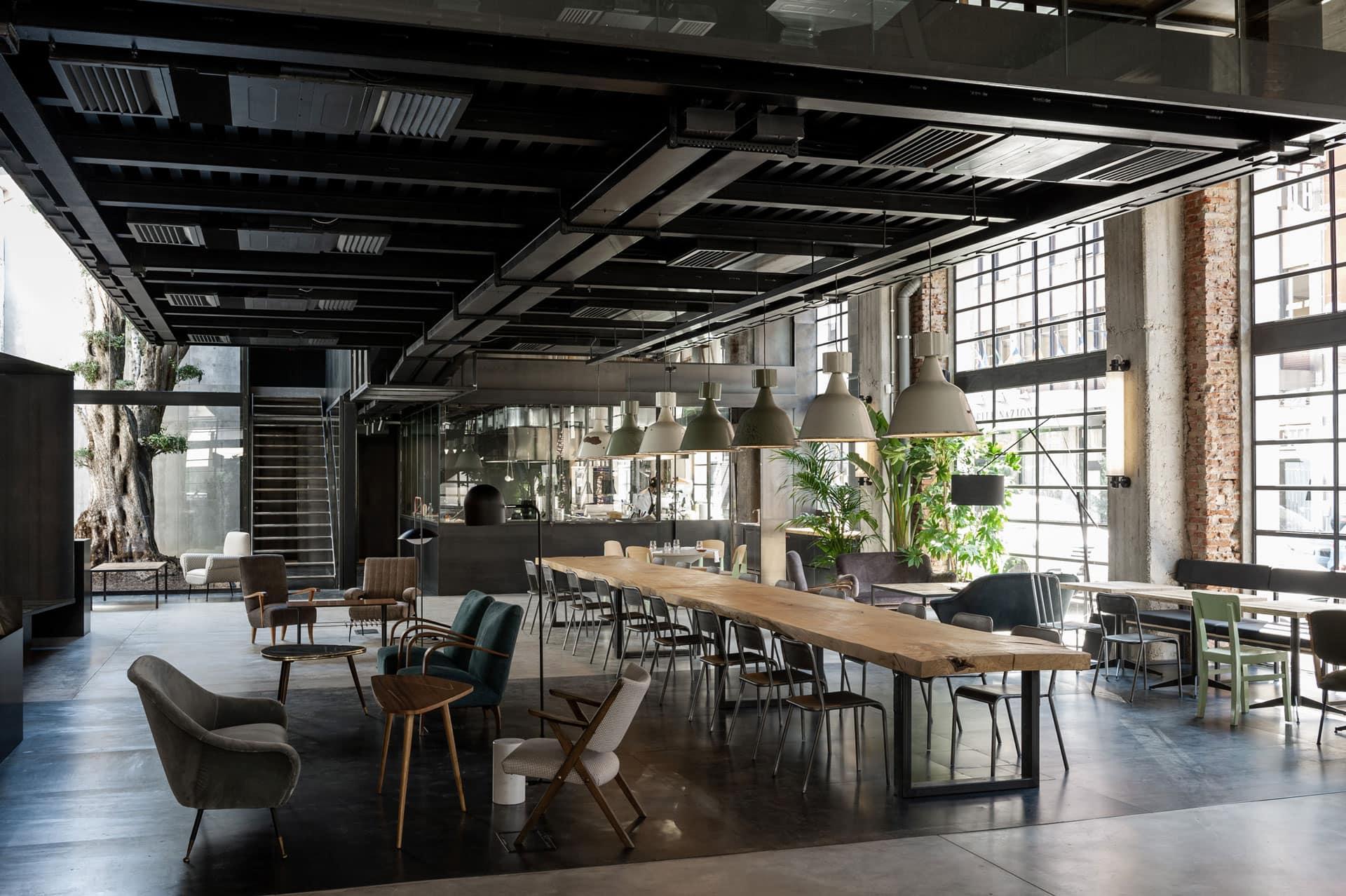 Spazio d'intrattenimento gastronomico e culturale nel cuore di Milano. Moebius è Tapa Bistrot, Osteria Gastronomica e Cocktail Bar.