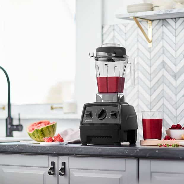 Explorian E310 Blender in action