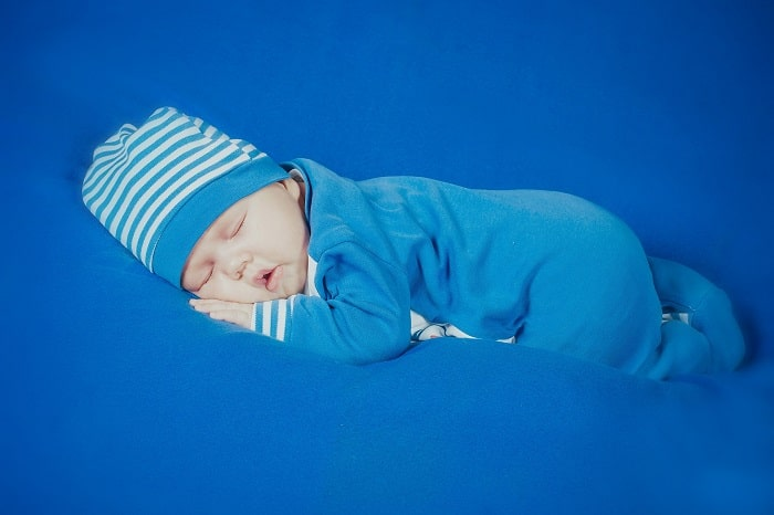 Trẻ Sơ Sinh Ngủ Hay Giật Mình, Có Nguy Hiểm Đến Tim Bé Không Mẹ ơi ?